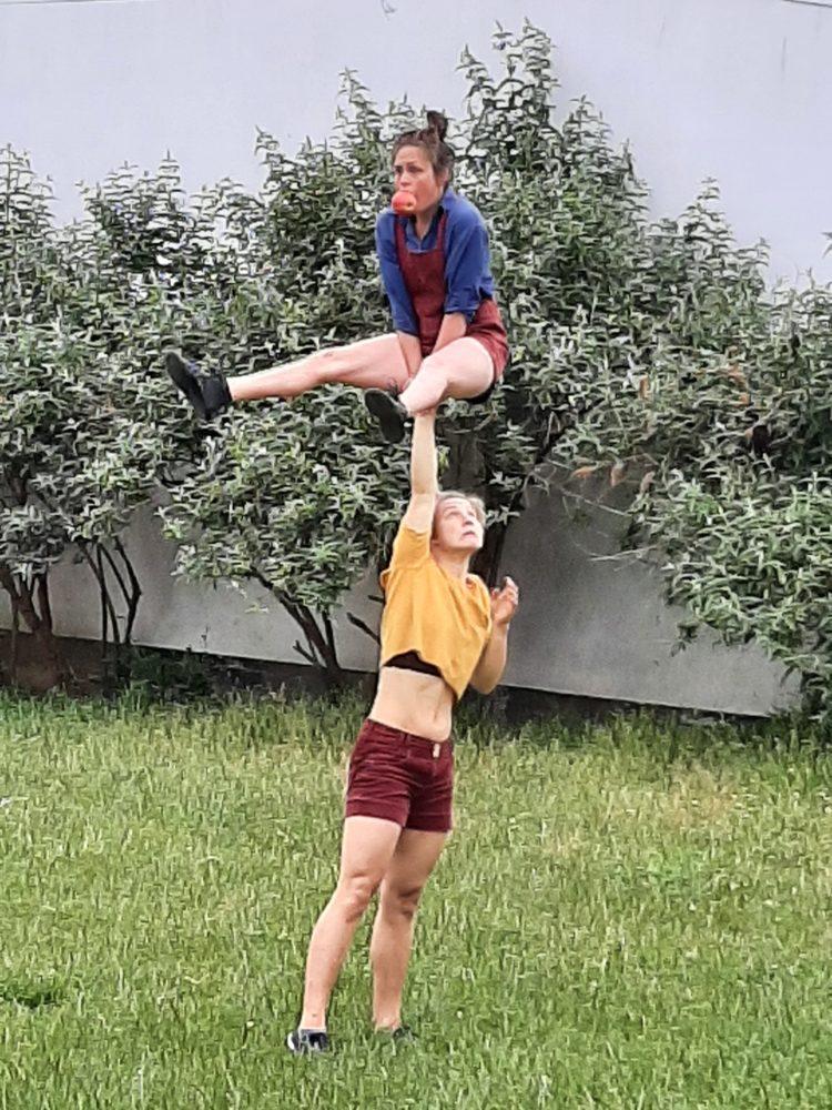 Représentation de cirque avec le comité de quartier